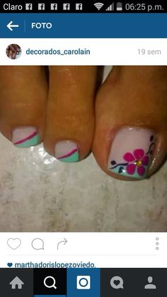 Pies                                                                                                                                                                                 Más Nail Art Designs, Fingernail Designs, Pedicure Designs, Pedicure Nail Art, Toe Nail Art, Pretty Pedicures, Pretty Nails, Golden Nails, Cute Toe Nails