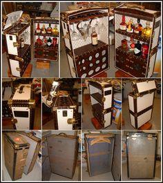 Old Trunks, Vintage Trunks, Trunks And Chests, Antique Trunks, Mini Bars, Vintage Steamer Trunk, Bar A Vin, Portable Bar, Art Deco Bar