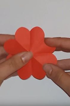 Wonderful greeting card for mothersday. Your mother or grandmother will be excited. 3d Origami Heart, Glue Sticks, Origami Paper, Greeting Cards, Tutorials, Diy, Bricolage, Do It Yourself, Homemade