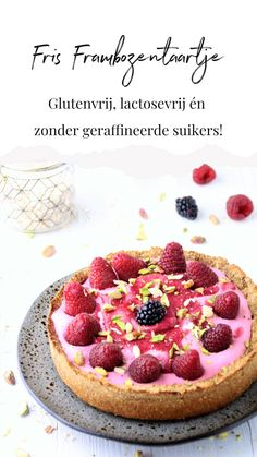 Fresh raspberry pie - Enjoy healthy for everyone! Gluten-free, lactose-free and without refined sugars! Köstliche Desserts, Delicious Desserts, Dessert Recipes, Pudding Desserts, Gluten Free Baking, Healthy Baking, Sin Gluten, Good Food, Yummy Food