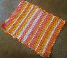 Toalhinha de Crochê feita com linha. 34x26cm R$ 21,28