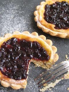Violetas en mi cocina: Tartaletas de moras y crema de queso