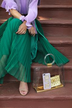 Blair Eadie wearing green and lilac with a clear tote // Fashion details on Atlantic-Pacific Fashion Details, Look Fashion, Fashion Tips, Modest Fashion, Fashion Dresses, Abaya Fashion, Indie Fashion, Fashion Vintage, Look Boho