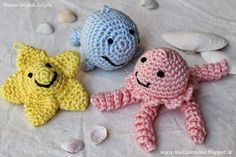 Crochet this Cute and Easy Amigurumi Sea Animals Baby Mobile. Translate the page at 'Google Translate' from German to your language ;-D ~~~ gehäkeltes Meeres-Mobile mit Amigurumi Seestern, Wal, Qualle und Möwe