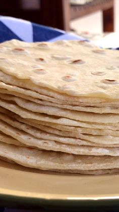 Masa para Tacos We show you how easy, simple and economic it is to prepare your own Wheat Tortillas type Rapiditas ! Oreo Cake Recipes, Dessert Recipes, Mexican Dishes, Mexican Food Recipes, Cooking A Gammon Joint, Recipes With Flour Tortillas, Flour Tortilla Recipe Butter, Chapati, Bread Shaping