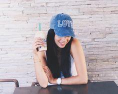 Não tenho legenda pra essa foto, apenas amei  #look #hat #fashion #Starbucks