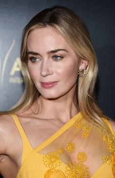 Emily Blunt arrives at the AACTA International Awards at Mondrian Los Angeles on January 2019 in West Hollywood, California. Get premium, high resolution news photos at Getty Images Emily Blunt, Beautiful Celebrities, Beautiful Actresses, Gorgeous Women, Female Actresses, Actors & Actresses, Leo Women, Divas, John Krasinski
