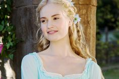 Inspirational Blonde Braids To Look More Beautiful, Braids can provide you a stunning and romantic appearance. It's possible to see here that you're able to wear the braids down and in an attractive bra. Blonde Braids, Balayage Hair Blonde, Side Braid Hairstyles, Loose Hairstyles, Cute Side Braids, Renaissance Hairstyles, Light Blonde Hair, Braid Designs, Natural Hair Styles