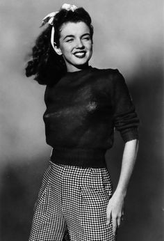 Norma Jean Began at the beginning of her modeling career (Circa 1945)-Mondadori Portfolio