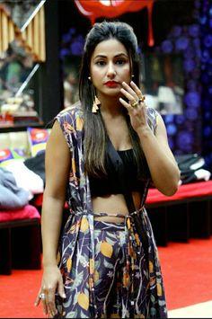 Hina Khan so sexy Bollywood Lehenga, Bollywood Girls, Bollywood Fashion, Hottest Female Celebrities, Indian Celebrities, Celebs, Beautiful Girl Indian, Most Beautiful Indian Actress, Beautiful Women