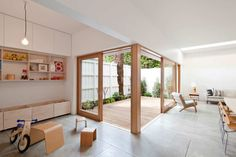 Wood deck of the courtyard adjacent to the living and dining | housing design