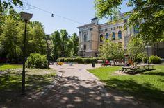 Säätytalon puisto, Helsinki, Finland.