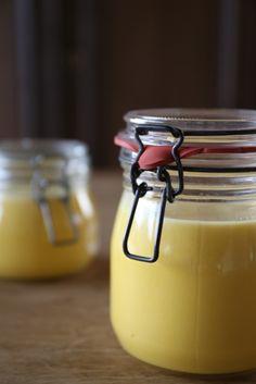 huisgemaakte advocaat met honing