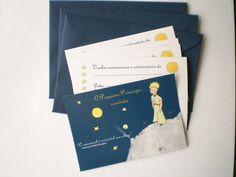 Convite temático O Pequeno Príncipe com envelope    À pronta entrega!    Quantidade mínima 20 convites    Tamanho 9x13, impressão de alta qualidade, papel 240g.    Frente: linda imagem do Pequeno Príncipe e frase do livro  Verso: delicadeza e espaço para escrever os dados do aniversariante e da festa (conforme abaixo):    Venha comemorar o aniversário de  ........................................................    Data: ...............................................  Horário: ...