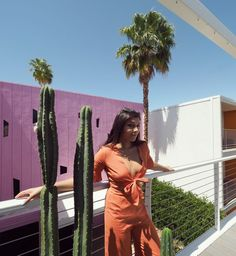 Pink wall California - Hotel Paseo Pool where to stay palm springs pink wall. Elle Fashion, Fashion Editor, Still Life Photos, Pink Walls, Modern Prints, Palm Springs, Coachella, Style Guides, California