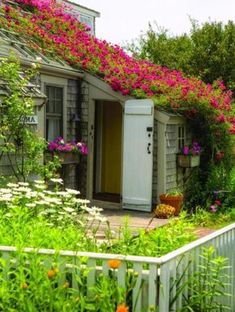 Tiny cottages, the pride of Nantucket, endure - Real estate - The Boston Globe