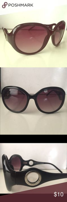 Dana Buchman Sunglasses Oversized oval frames. Great condition- very little to no scratches. Dana Buchman Accessories Sunglasses