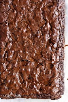 Hot Fudge Chocolate Pudding Cake is extremely easy to make! A rich chocolate fudge sauce forms underneath a layer of chocolate cake while baking, by itself! Moist Brownies, Cocoa Brownies, Cookie Brownie Bars, Cake Brownies, Brownie Pan, Best Brownie Recipe, Brownie Recipes, Cake Recipes, Dessert Recipes