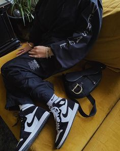 Air Jordan 1 Retro High Black White 555088-010 Nike Sb, Nylons, Sneakers Fashion, Fashion Shoes, High Heel Sneakers, Tumblr Outfits, Jordan 1 Retro High, Air Jordan Shoes, Air Jordans