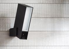 Netatmo Presence - Outdoor Sicherheits-Kamera Design wie es sein soll: Hochwertiges Metall Das Aluminiumgehäuse verleiht Presence ein zeitloses Design und macht es zudem extrem beständig. Vollständig Wetterfest Presence ist durch sein Gehäuse mit Schutzklasse IP66 vollständig wetterfest.