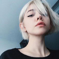 Short-Blonde-Hair - Peinados y pelo 2017 para hombre y mujeres Short Blonde, Blonde Hair, Hair Inspo, Hair Inspiration, Pretty People, Beautiful People, Short Hair Cuts, Short Hair Styles, White Hair