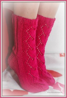 Villasukat matkalaukussa: Kutominen Leg Warmers, Wedges, Knitting, Boots, Accessories, Fashion, Breien, Leg Warmers Outfit, Crotch Boots