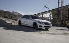 Download wallpapers Mercedes S500, 2017, W222, white luxury sedan, tuning W222, black wheels, business class, Mercedes