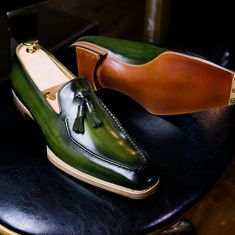 Leather Loafers Dress Shoes for Men - schuhe - Sapatos Formal Shoes For Men, Men Formal, Leather Loafers, Leather Men, Loafers Men, Hot Shoes, Men S Shoes, Dress Loafers, Dress Shoes