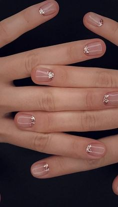Simple Wedding Nails for Bridesmaids