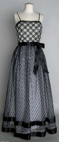Bill Blass Evening Gown, C. 1980, Augusta Auctions, November 13, 2013 - NYC