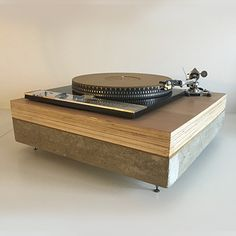 Garrard 401, Contre plaqué et béton. Bras SME 3009 S2 amélioré sur plaquage d'alisier Hifi Video, Garrard Turntable, Diy Turntable, High Fi, Audio Hifi, Diy Electronics, Lectures, Interiors, Vintage