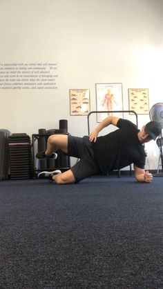 Workout Videos For Men, Dance Workout Videos, Workout Routine For Men, Gym Workout Tips, Hip Workout, Workout Humor, Workout Challenge, Men's Health Fitness, Women's Fitness