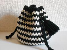 Free Crochet Bag, Knit Crochet, Amigurumi Patterns, Crochet Patterns, Diy And Crafts, Pouch, Beanie, Knitting, Sewing