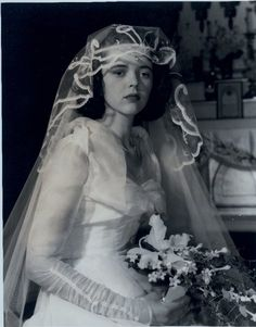 Vintage snack: a chiffon and embroidered veil bonanza | Offbeat Bride