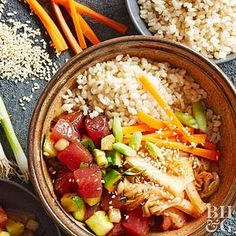 Fluffy rice meets a salad super fresh ahi tuna in this healthy and refreshing Asian meal.