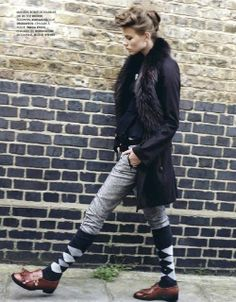 Girls doing argyle right! Socks over jeans slipped in brogues? Comfortable, cute, different and naturally, it's from Elle France Teddy Girl, Teddy Boys, Style Retro, Style Me, Sport Style, Preppy Style, Girl Fashion, Womens Fashion, Fashion Trends