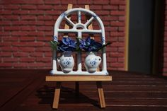 Window hanging big - decorated hanging window big with flowers. Window Hanging, Forget Me Not, Windows, Big, Flowers, Decor, Decoration, Decorating, Royal Icing Flowers