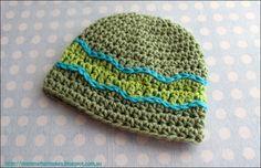 The Halo Beanie by MammaThatMakes.blogspot.com A free preemie crochet pattern.