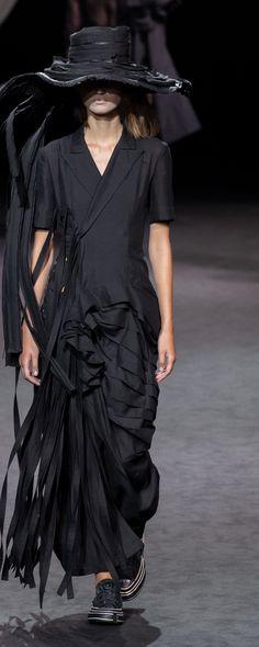 Yohji Yamamoto Spring-summer 2020 - Ready-to-Wear Gothic Gowns, Yohji Yamamoto, Ready To Wear, Spring Summer, Shirt Dress, Photos, How To Wear, Shirts, Collection
