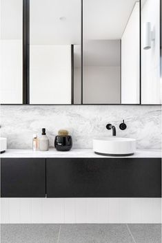 Beautiful master bathroom decor tips. Modern Farmhouse, Rustic Modern, Classic, light and airy master bathroom design some tips. Master Bathroom makeover a few a few ideas and bathroom remodel opinions. Steam Showers Bathroom, Laundry In Bathroom, Small Bathroom, Bathroom Ideas, Bathroom Organization, Master Bathrooms, Budget Bathroom, Glass Showers, Bathroom Mirrors