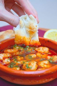 Start your valentine& menu or other dinner with a starter so that you are immediately on fire. View the recipe for hot shrimp here. Fish Recipes, Seafood Recipes, Cooking Recipes, I Love Food, Good Food, Yummy Food, Easy Healthy Recipes, Easy Meals, Comida Latina