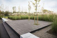 Particuliere tuin in Kortrijk (België), gebakken bestrating voor ultramodern ontspannen. Een tijdloze tuin gecreëerd door duurzame klinkers.