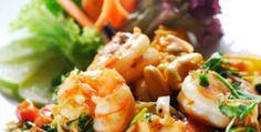 Shrimp salad with grapefruit, asparagus & anacardi