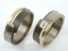 More is more. These #wedding #rings are made of #gold, #zirconium and #titanuim. Using tree different materials makes it very #special. With for her.... a #diamond.