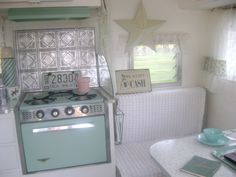 how to paint vintage appliances | The appliances got a sweet new catalina green paint job!