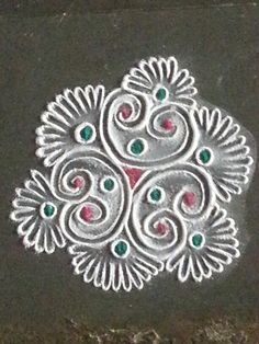 Beautiful rangoli for Pongal Rangoli Borders, Rangoli Border Designs, Rangoli Patterns, Colorful Rangoli Designs, Rangoli Ideas, Rangoli Designs Images, Beautiful Rangoli Designs, Tatting Patterns, Henna Patterns