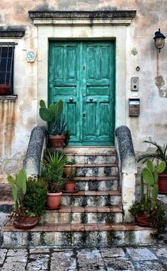 Door in Matera, Basilicata, Italy Cool Doors, Unique Doors, Farmhouse Front, Antique Farmhouse, Magic Places, When One Door Closes, Door Gate, Grand Entrance, Entrance Doors