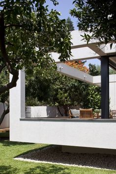 House in Ramat Hasharon, Israel (Paz Gersh Architects) via @ArchDaily