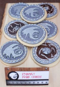 How to train your dragon party shield shaped sugar cookies