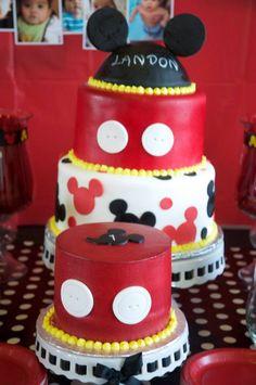 Mickey Mouse cake and smash cake
